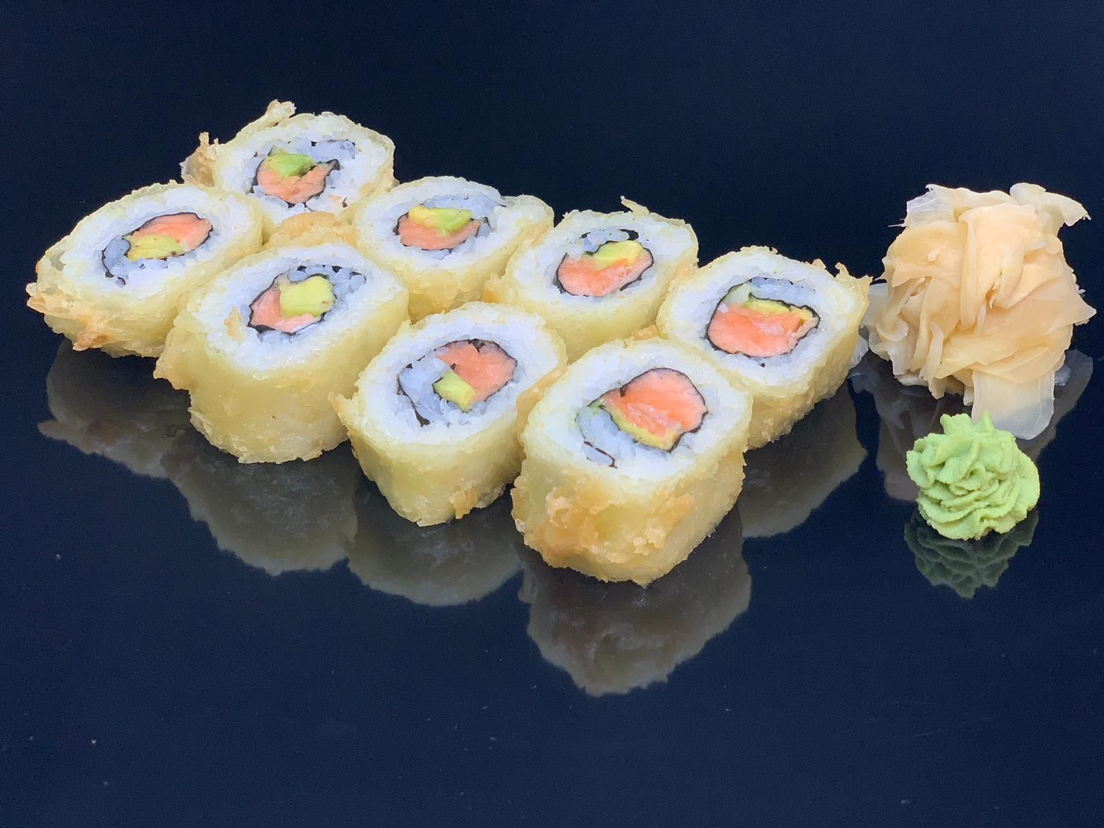 hot-roll-with-salmon-avocado