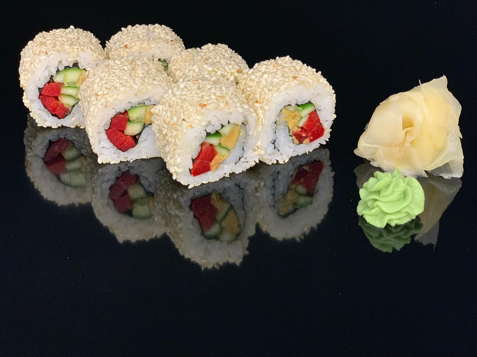 Vegetarian roll in sesame
